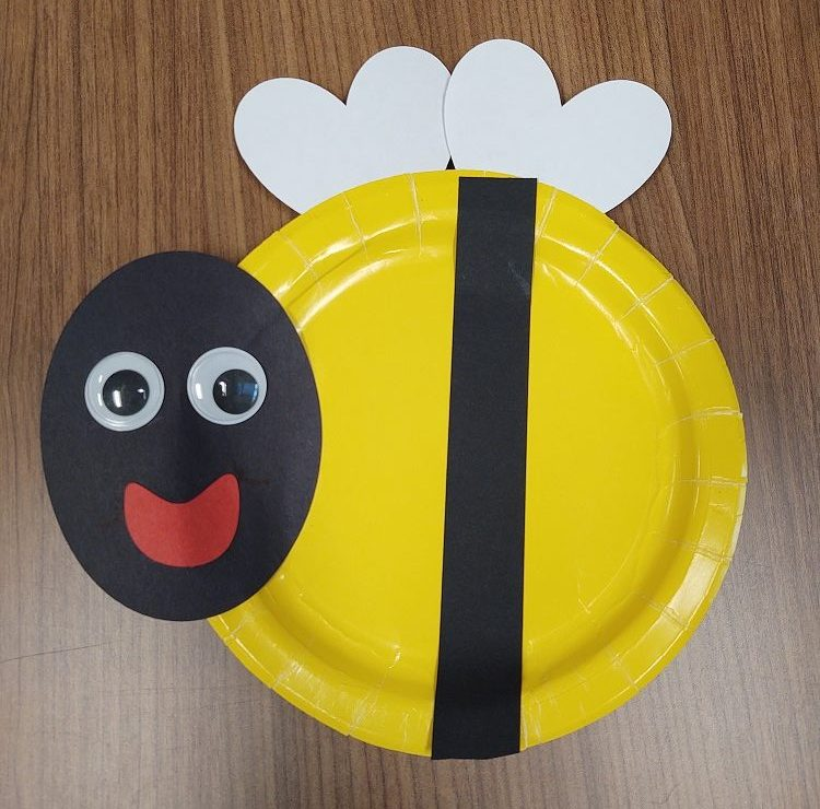 Read more about the article Harlem Library Grab and Go Craft: Bee